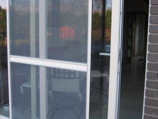 Moustiquaire de porte-fenêtre